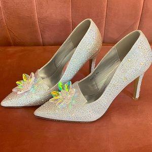 NWT Cinderella slippers